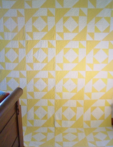 Yellow and White pattern 1939's quilt