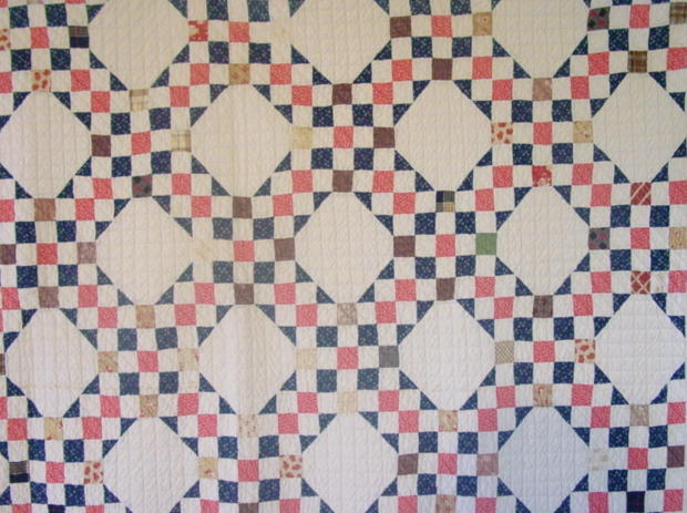 partial image of the Chain Variation antique quilt
