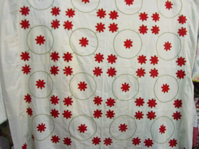 full view of rose Wreath applqiue quilt top