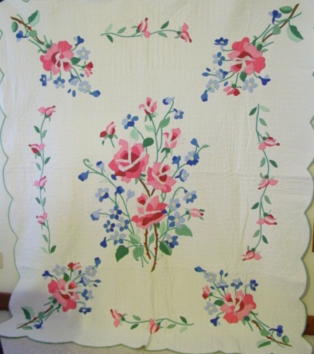 full view of the American Beauty pattern applique quilt