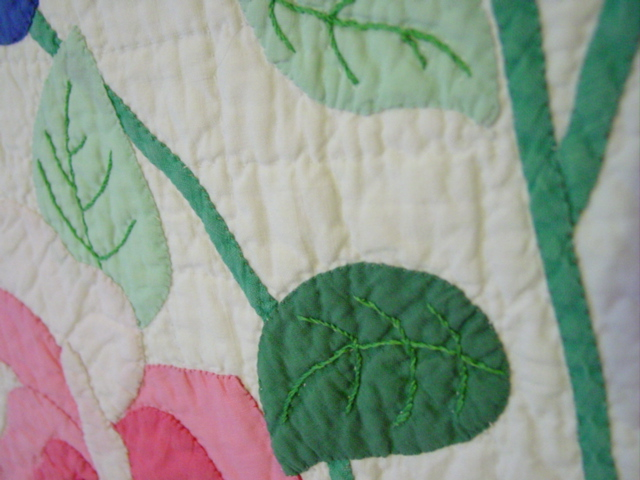 close up of the applique and quilting