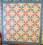 Bleeding Heart Variation Quilt w/ Scalloped Border $835