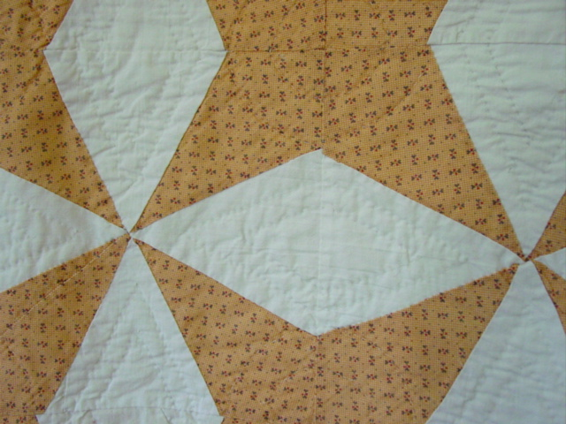 closeup of the fabric and nice quilting