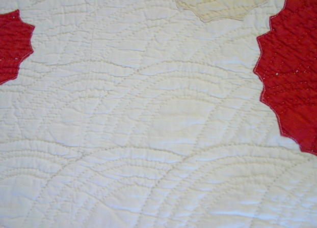 close up of the Baptist fan quilting