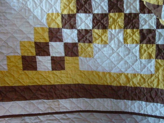 close up of the quilting and the triple border