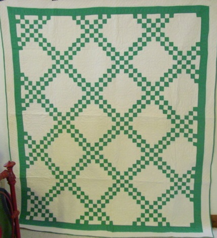 full view of vintage Double Irish Chain quilt
